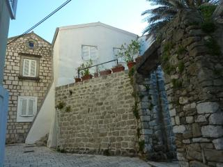 OLD TOWN DESIGN APARTMENT, Rab Town