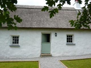 Hawthorn Cottage - Thatched, Mountrath