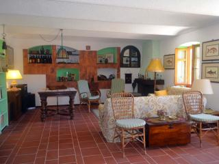 Langhe  Country House   Self- Catering in Neive, Alba