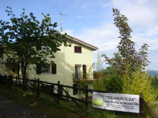 TOLASUDOLSA Rooms, Breakfast and Mountain Bike, Compiano
