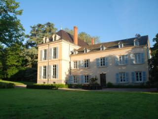 Maison Les Bardons with pool, Roanne