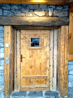 Strong, rustic features