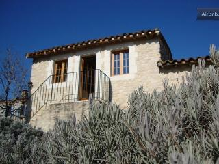 Private gite and exclusive use of swimming pool, Gaillac