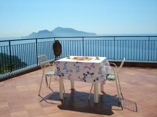 SORRENTO APPARTMENT-capri view, Massa Lubrense