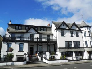 Queens View Residence, Dunoon