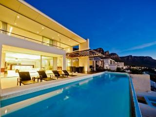 Willesden Villa, Camps Bay