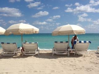 LOVELY SOUTH BEACH WATER FRONT HOUSE - SLEEPS 4, Miami Beach