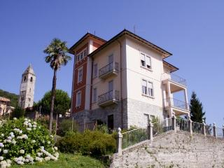 Villino Rossi with stunning lake view, Lesa
