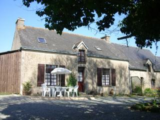Breton cottage,Garden,Woodland Archery,Golf nearby, Pontivy
