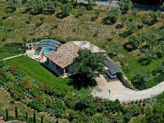 Detached house with jacuzzi near Todi. 2 bedrooms, Collazzone
