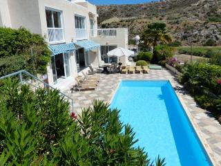 Neptune's Retreat 4 bed (+extra villas for groups), Pissouri