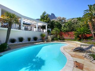 Cosy Camps Bay holiday home