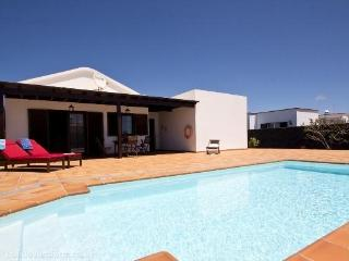 Vila Deluxe Candido with private pool with 3 beds, Guime