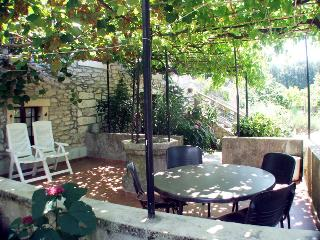 Family apartments on holiday farmhouse with pool, Nedescina