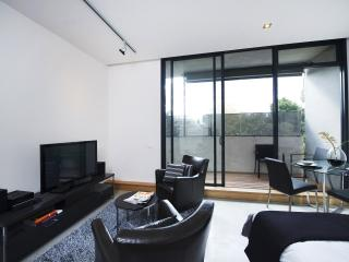 Suite and Low, St Kilda