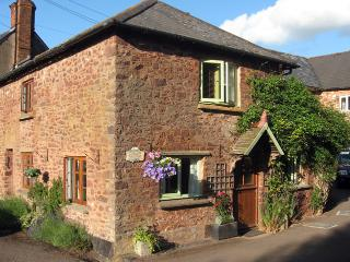 F270 - Burrow Cottage, Timberscombe