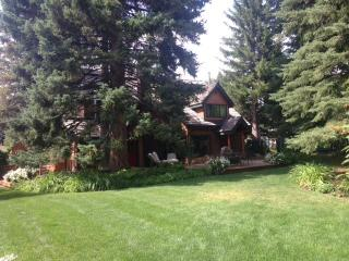 Downtown Ketchum - One of a kind 1930's Cabin