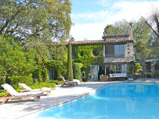 Wonderful Provencal villa with private pool, terrace and balcony, La Roquette-sur-Siagne