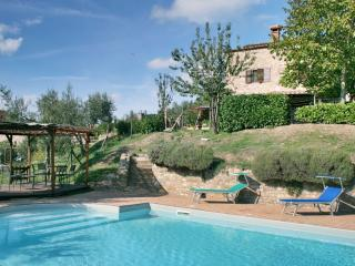 Casa del Lupo, warm pool, spacious house, Lisciano Niccone