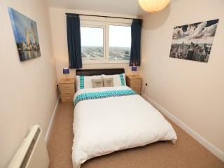London Apartment near Tube, Ilford