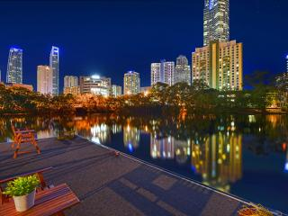 Anchorage Waters, Surfers Paradise