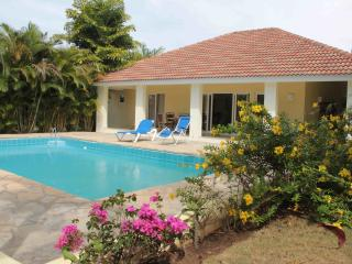 3-bedroom luxury villa with pool in the center of Sosua