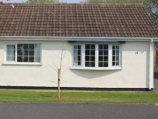 14 Gower Holiday Village, Scurlage