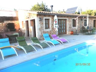 Nice country house with pool, Santa Maria del Cami