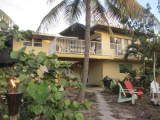 Waterfront - Tropical Gardens - Privacy - 3 BR, Cudjoe Key