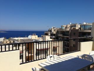 Sea View Penthouse - Free WIFI, Qawra