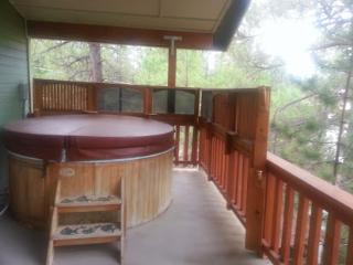 Beautiful Custom home with hot tub on second floor, Pinetop-Lakeside