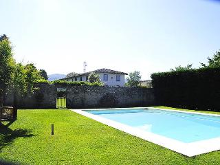 Beautiful Tuscan villa in Florence with private po
