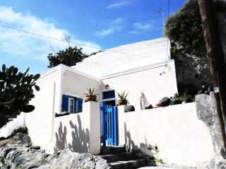 Traditional cave house for 5p, Santorini