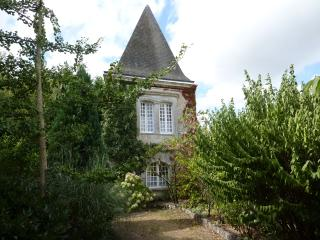 The Tower House, Brossac