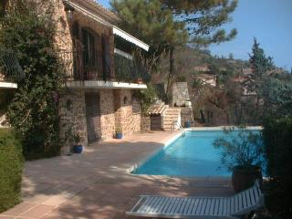 Traditional provencal bastide 6 bedrooms and pool, Théoule-sur-Mer