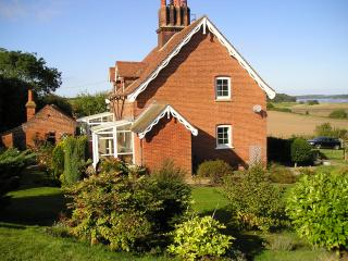 Orwell Cottage & Boathouse, Colchester