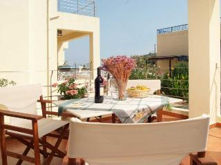 Almirida Villa next to the beach and all amenities, Almyrida