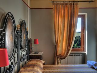 Casa Lucia: lovely house for 6 in medieval village, Montemaggiore al Metauro