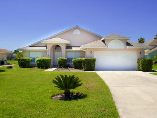 Villa Orlando, Lovely Home with a Pool and WiFi, Kissimmee