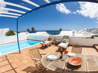 Villa Naos with Private pool and sea Views !, Arrieta