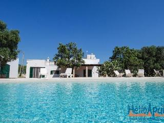 Masseria dell'Uliveto: Farmhouse Holiday in Puglia, Monopoli