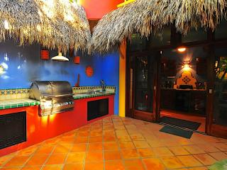 Casa Duende - Short easy walk to town square/beach, Sayulita