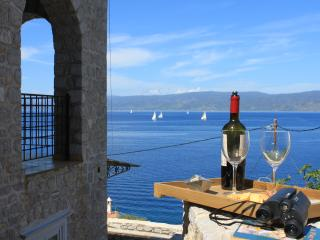 Majestic Sea View Apartment, Hydra-Stad