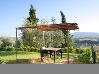 2 bedroom holiday apartment in San Gimignano surrounded by stunning Tuscan landscape