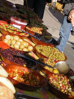 Market with delicious local produce in Moissac (every Saturday and Sunday)