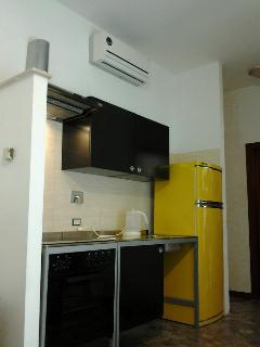 Fully equipped kitchen with fridge/freezer and Oven