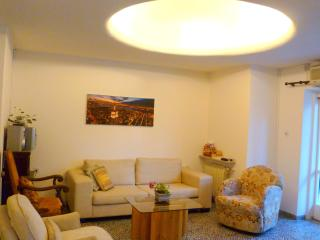 Centrall and Spacious in the Heart of Rechavia, Jérusalem