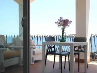 Seaside apartment in Stazzo