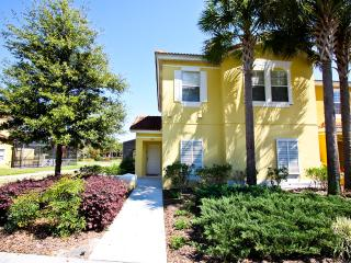 Gorgeous Vacation Home with WiFi, on Yellow Lantana Ln, Kissimmee