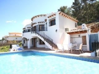 Seaview, WiFi, AC, heated pool, private playground, Denia